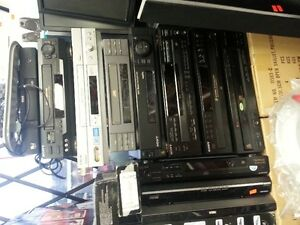 Hi Fi Stereo VCR JVC / Sony / 5 Disc CD Player / no Remote