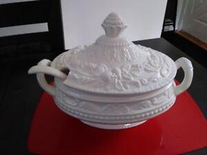 Soupière en porcelaine à vendre