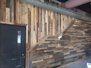 Reclaimed barnboard pallet wood accent wall palletwood