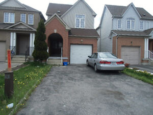 6 BEDROOM DETACHED HOUSE FOR RENT AT MARKHAM AND STEELES