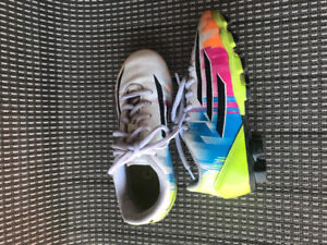 Size 12 youth f5 soccer cleats