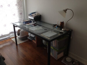IKEA desk/ dinning table cheap (will deliver on island of Mtl)