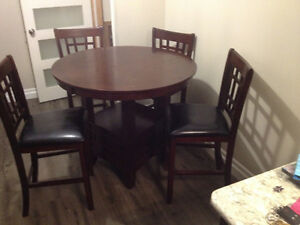 FOR SALE  Dalton 5 Piece Oak Counter-Height Dining Package
