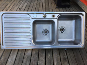 double kitchen sink and tap