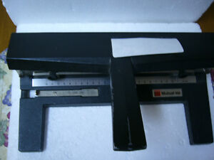 ACCO Mutual 450 Heavy Duty Adjustable 3 Hole Punch