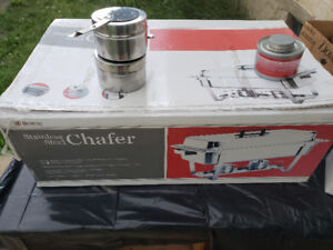 Selling 4 food warmers with Accessories!