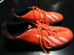 Adidas Turf Indoor Soccer Shoes, size 6 youth