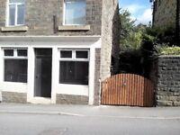 3 bedroom house in Waterside, Hadfield, Glossop, SK13