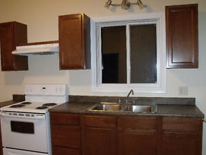 Clean Quiet Ground Floor 2 Bedroom Apt