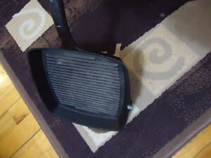 GRILL VERY GOOD QUALITY RARELY USED FOR SALE!!!!!!!!!!!!!!!!!!!! West Island Greater Montréal image 2