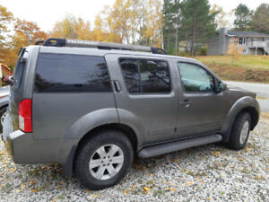 2005 Nissan Pathfinder LE 4WD with AWD Leather Loaded
