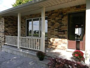 Beautiful Goderich 4 Bedroom 3 Bathroom Home Large Family Room Stratford Kitchener Area image 2