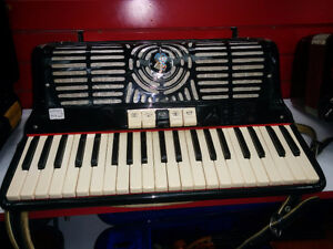 ACCORDÉON 120 BASS Fratelli Crosio