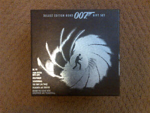 Collectible James Bond 007 Deluxe Edition  VHS Gift set London Ontario image 1