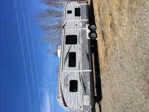 2013 Jayco 38 ft Travel Trailer  Bunkhouse Trailer