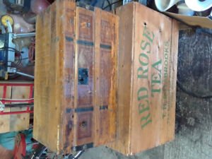 Small vintage trunk & larger red rose box