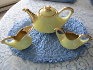 Tea Pot with Cream/Sugar