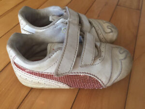 Girls size 7 Puma shoes