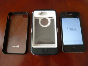 IPhone 4 16GB UNLOCKED with Otterbox case!