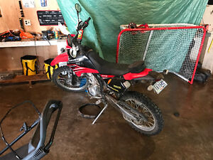 2012 Kawasaki Klx250s Street and Trail LOW kms Lots of extras