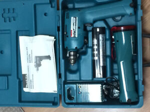 Makita 6012HD Cordless Drill with Flashlight & Case