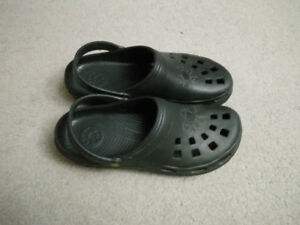 Dawg Slippers (Croc)