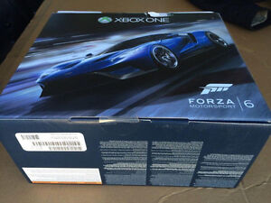 CALL OF DUTY AND FORZA 6 XBOX ONE BOXES