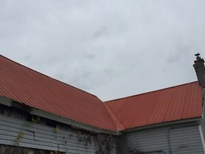 Red roof tin  Cornwall Ontario image 2