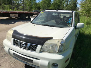 2006 NISSAN X-Trail 4WD ** FOR PARTS ** INSIDE & OUTSIDE **