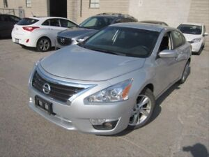 2014 Nissan Altima 2.5 SV AUX! PUSH TO START! SUNROOF!