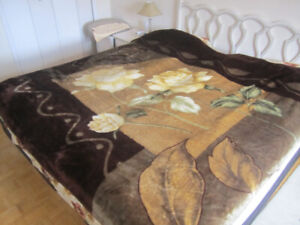 Stylish Bed Cover (Queen size) - Great condition