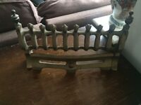 Antique solid brass Victorian fire guard grate - reduced for quick sale.