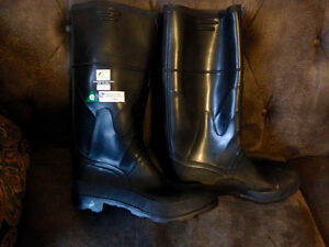 Mens CSA Approved Steel Toed Rubber Boots Size 10 Like New