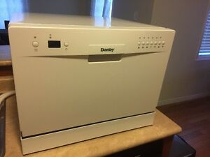 Countertop Dishwasher - Danby