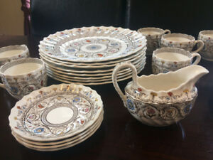 "Copeland Spode China Dishes ""Florence "" pattern. 20 Pieces"