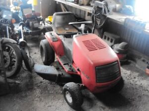 "40"" Canadiana Riding Lawnmower"
