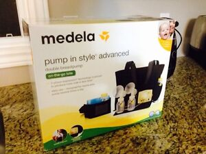 Medela pump in style with accessories Cambridge Kitchener Area image 1