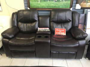COMFORTABLE,STORAGE,CUP HOLDER  Gel Leather Recliner Loveseat