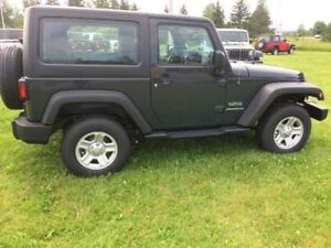 2017 Jeep Wrangler sport (only 1300 kms)