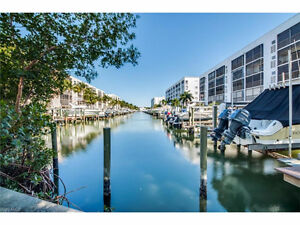 **GORGEOUS FURNISHED CONDO** - in Ft. Myers Beach, FL (US)