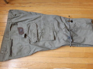 NEW WRANGLER MENS  KHAKI WORKING PANTS XL SIZE-46 WAIST....15$
