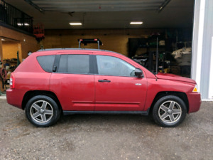 2009 Jeep Compass North Edition. Saftied & New Tires