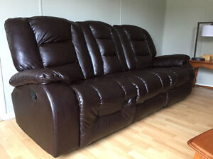 Leather reclining leather sofa and reclining loveseat