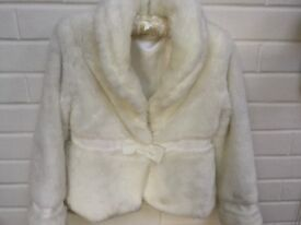 Beautiful Cream/Ivory party/wedding fur coat/jacket 9-10yrs 134-140cm