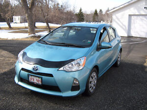 2013 Toyota Prius Hatchback   Reduced to sell