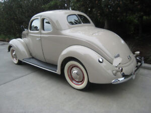 1937 Ford 5 Window Coupe Delux ! ! ! Stunning ! ! !