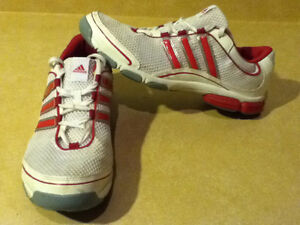 Women's Adidas Pink 3-D Light Weight Running Shoes Size 10 London Ontario image 1