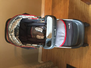 Stroller, car seat and 2 car seat bases
