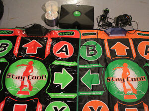 MODDED XBOX  5000 GAMES 2 DDR DANCE MATS + MICROPHONE