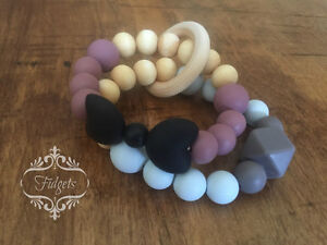 Fidgets - Silicone and wood teething necklaces toys & more Kitchener / Waterloo Kitchener Area image 3